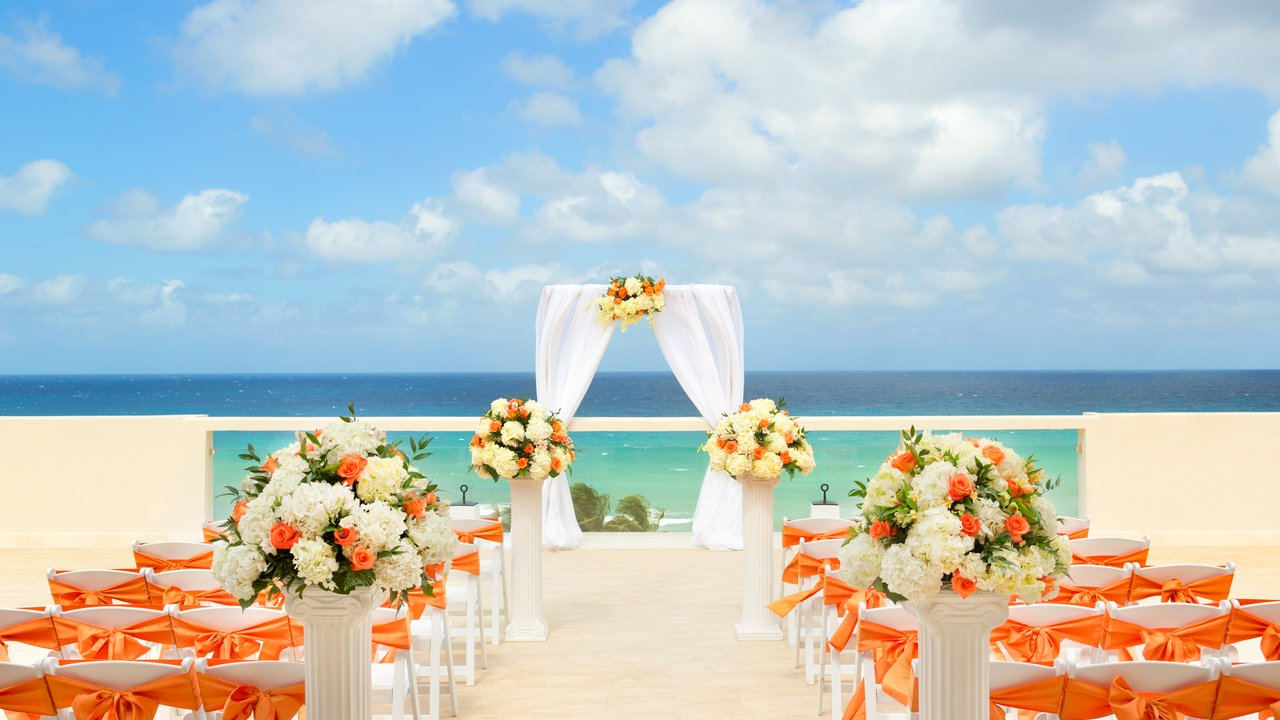 sky-deck-wedding-set-up-1010476