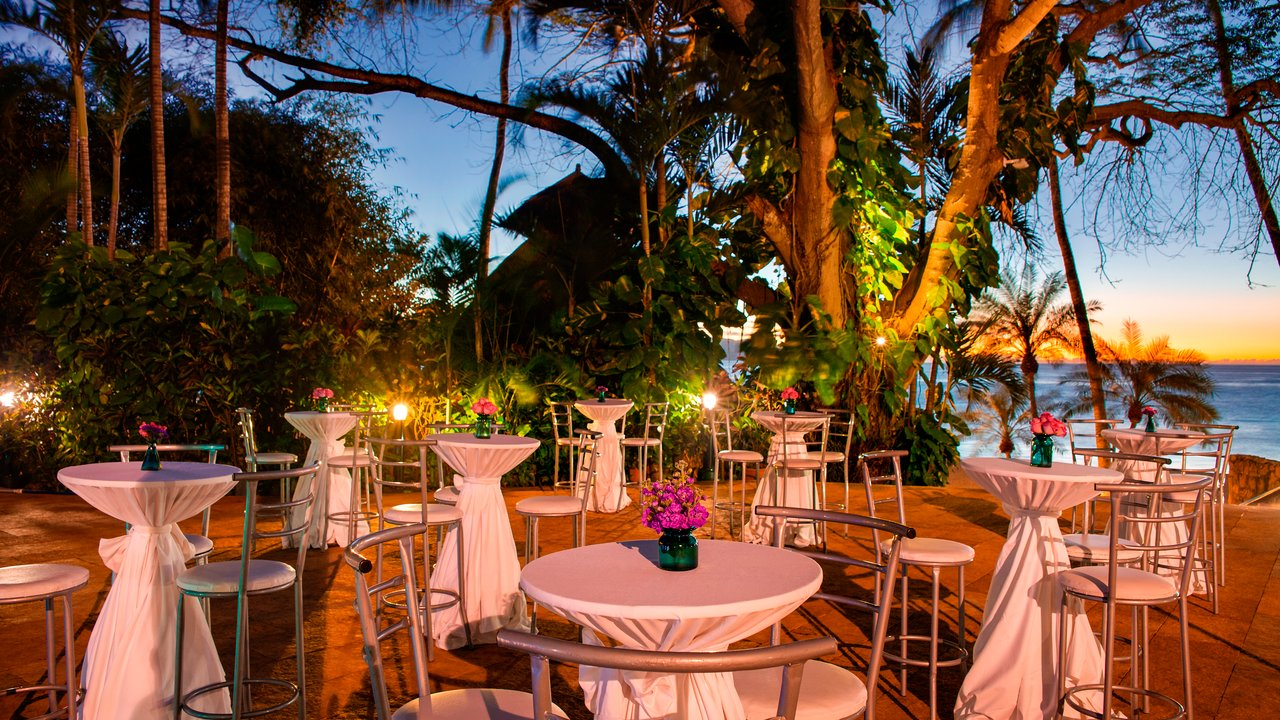 hyatt-ziva-puerto-vallarta-pool-terrace-reception-1010977