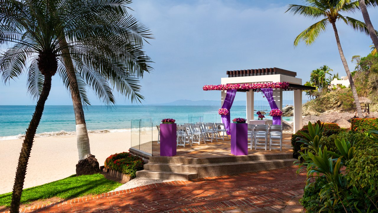 hyatt-ziva-puerto-vallarta-wedding-gazebo
