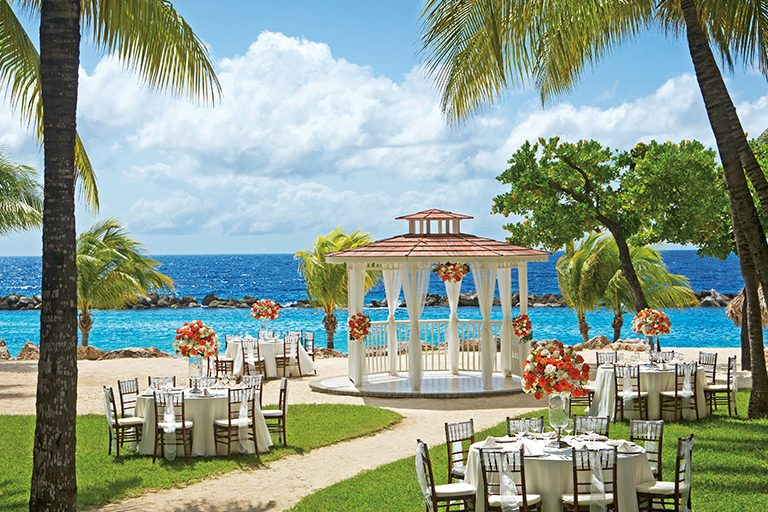 Beautiful Places to Hold Curacao Weddings