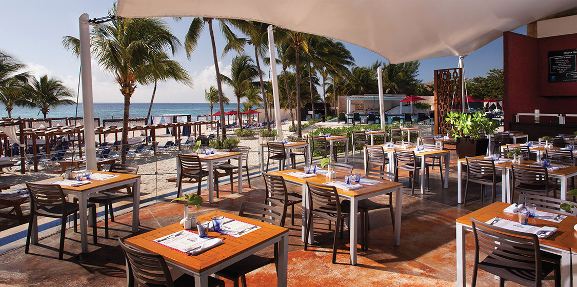 azul-beach-the-fives-beachfront-resturant