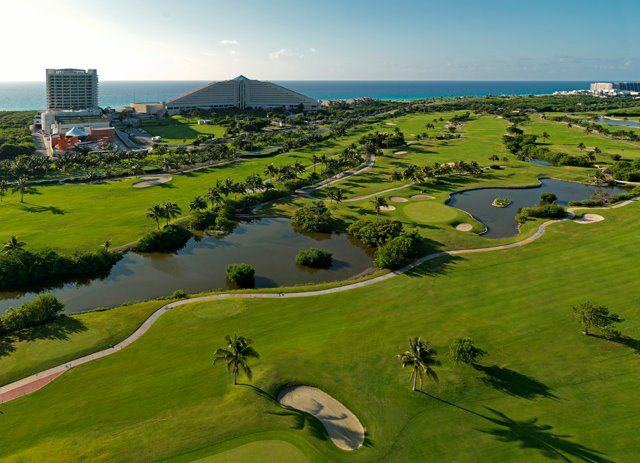 iberostar-cancun-gold-course-and-building