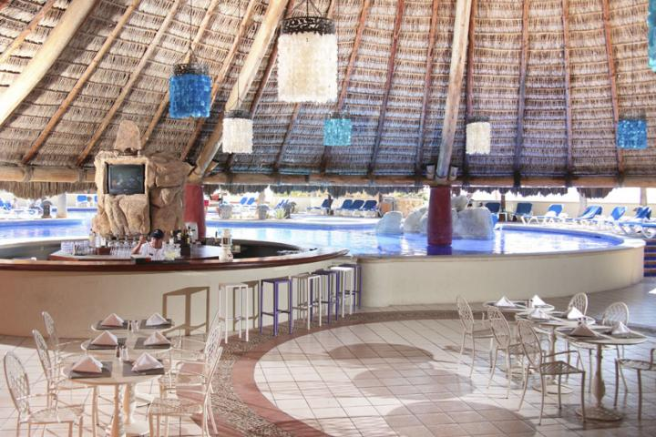 sandos los cabos swim up bar