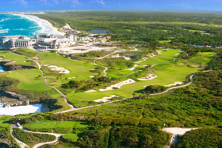 World-class Golfing in the Caribbean