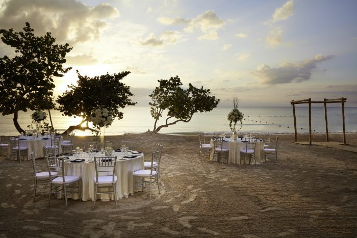 AzulBeachNegril_WeddingReception2-700x467
