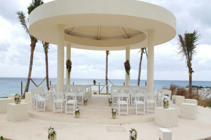 Hyatt-Ziva-Cancun-Cliff-Gazebo-700x467