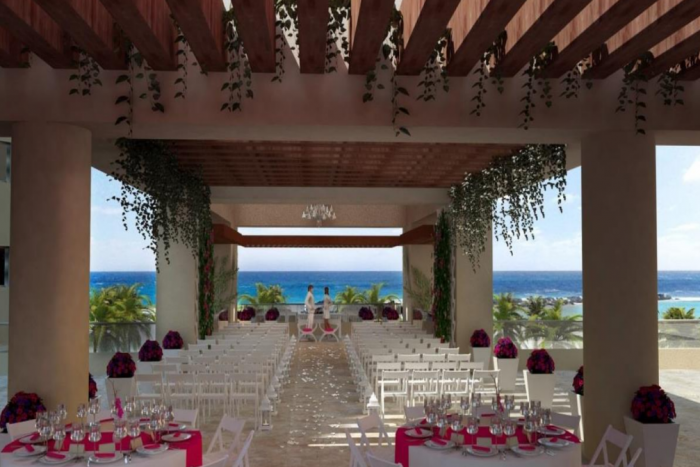 Hyatt-Ziva-Cancun-Sky-Gazebo-Wedding-700x467
