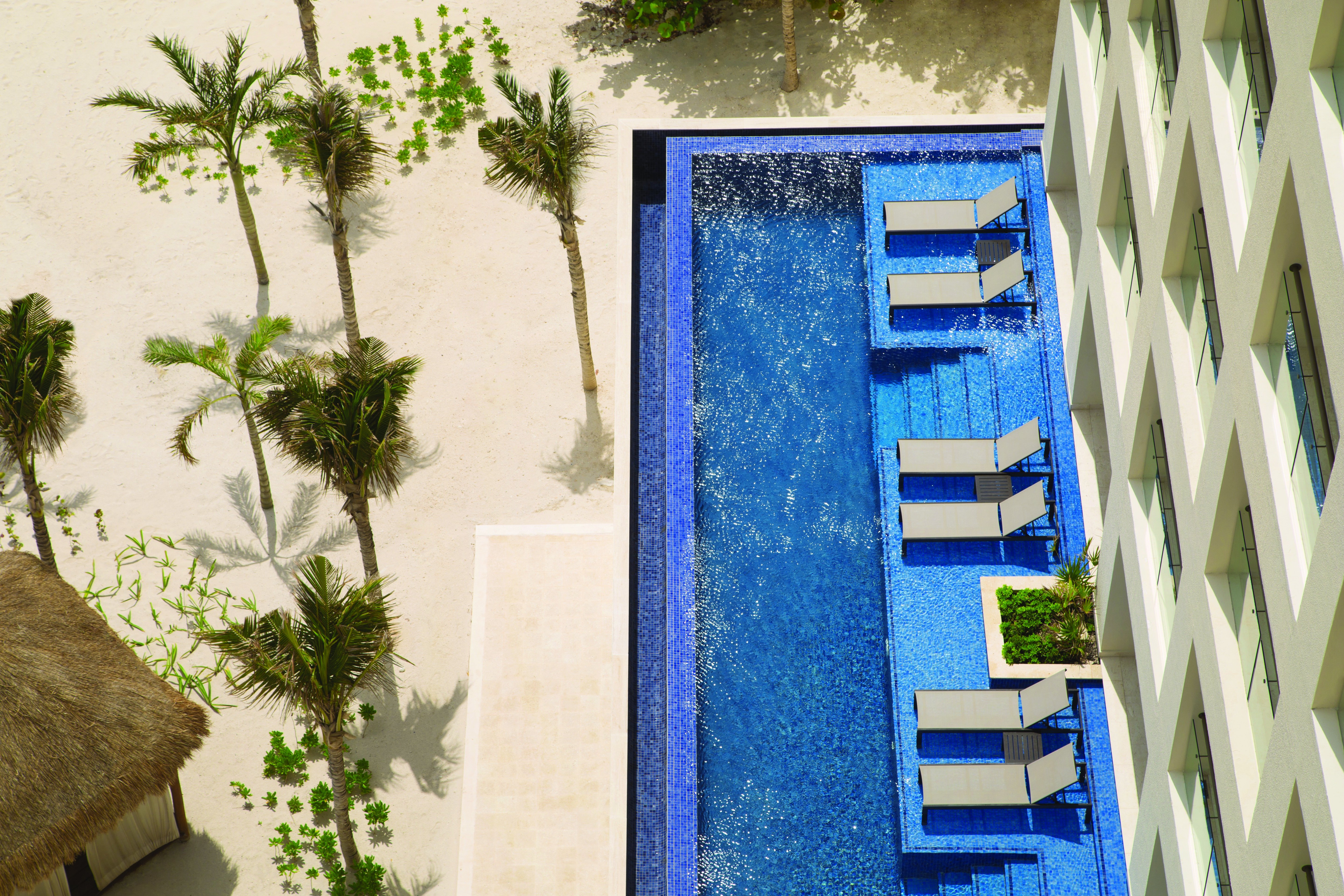 Hyatt-Ziva-Cancun-Turquoize-Swim-Up-Suites