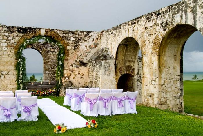 Hilton-Resort-Spa-Rose-Hall-Wedding-Aqueduct-Setup-700x467