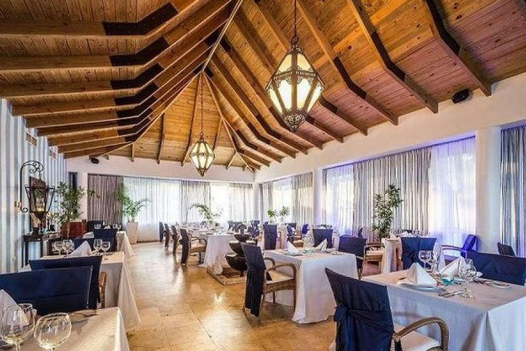 blue-bay-villas-doradas-reception