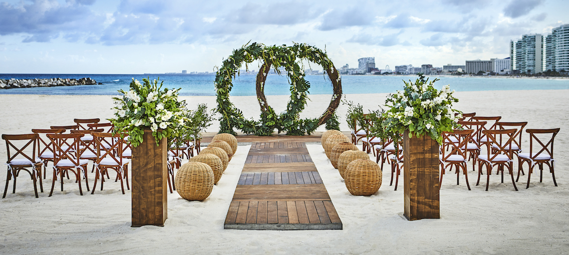 Tips to Save For Your Mexico Destination Wedding