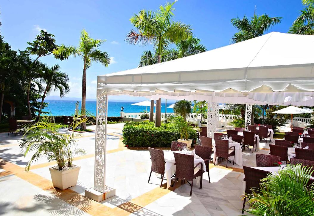 Luxury Bahia Principe Cayo Levantado Dining Option