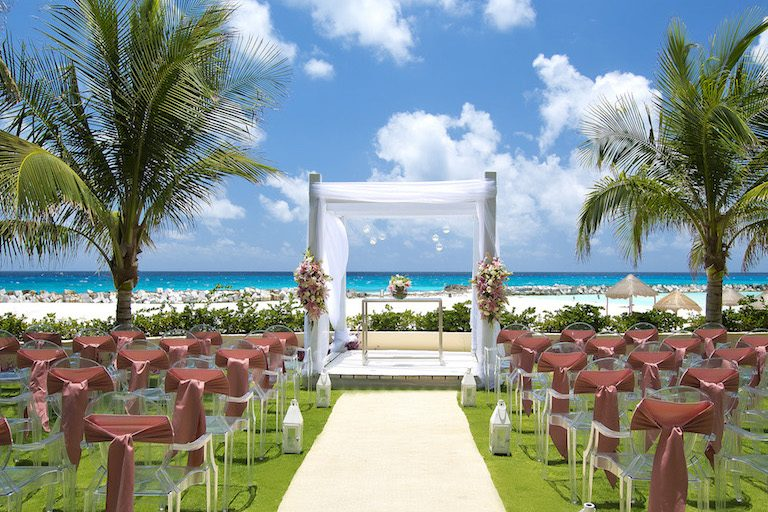5 Best Cancun Resorts for Destination Weddings