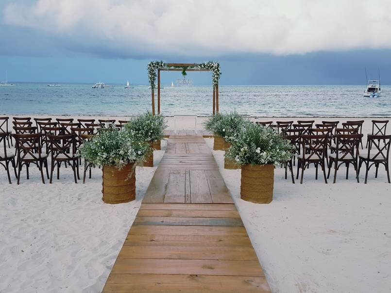 Ceremony Boardwalk (added for additional costs)