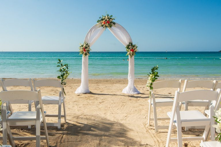 4 Beautiful Negril Wedding Resorts