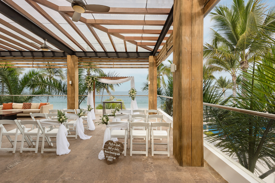 Hyatt-Ziva-Puerto Vallarta-Hyghlightz-Sports-Bar-Terrace-Wedding-Ceremony-3