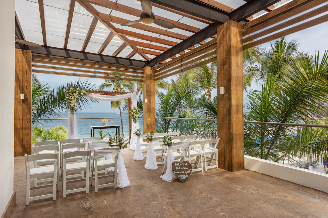 Hyatt-Ziva-Puerto Vallarta-Hyghlightz-Sports-Bar-Terrace-Wedding-Ceremony-4