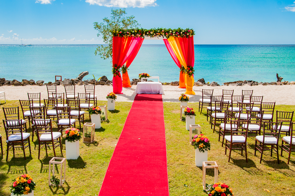 LRMFM_Beach_Wedding_Setup_06