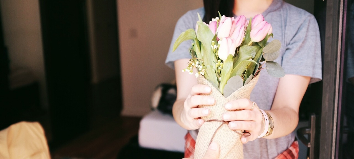 Guest Post: Everything You Should Know Before Purchasing Flowers as a Gift
