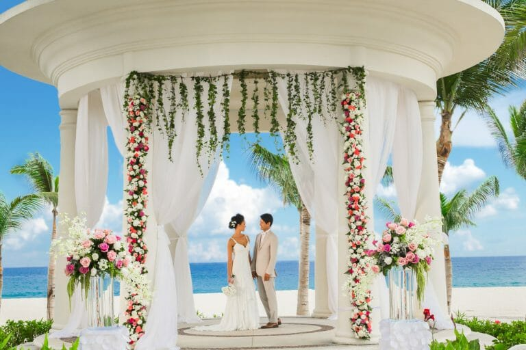 Where is the Best Place to Host a Cabo Destination Wedding?